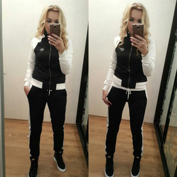 Купить Стильный черно-белый спортивный костюм цена