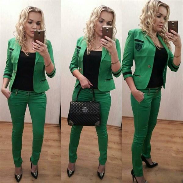 Цена Стильный зеленый костюм