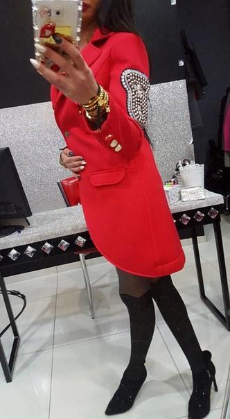 фото Красное весеннее пальто PAPARAZZI FASHION видео отзывы
