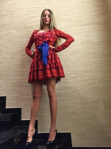 Купить Платье с пышной юбкой до середины бедра цена