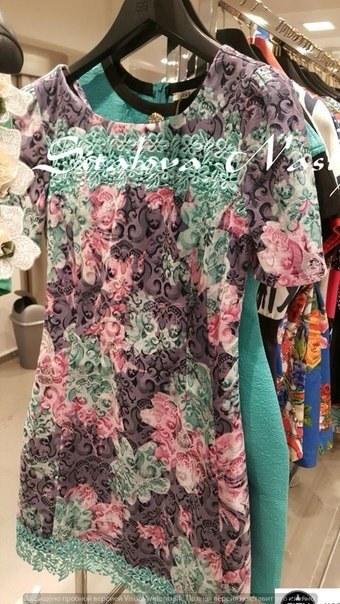 фото Летнее платье в цветочный принт видео отзывы