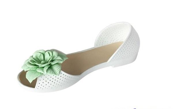 фото Белые босоножки с красивым зеленым цветком видео отзывы