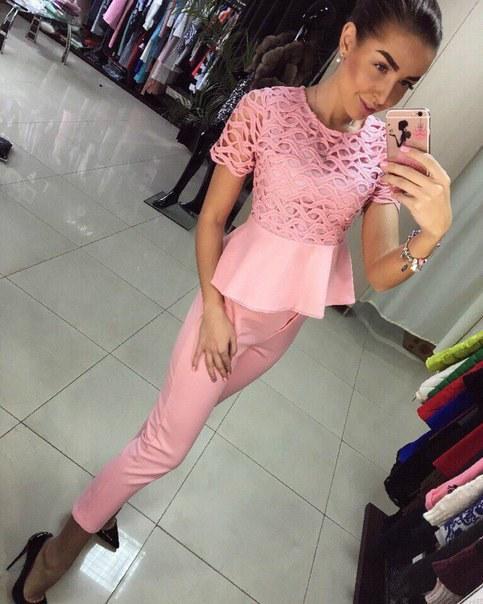 Нарядный розовый костюм с ажурной кофточкой фото видео изображение
