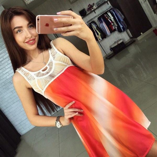 Цена Яркое летнее платье свободного кроя