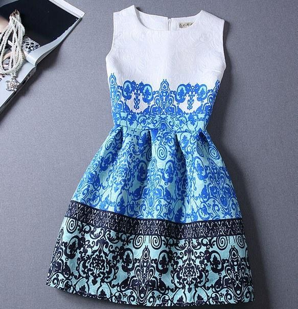 Купить Короткое жаккардовое платье с изысканным узором цена