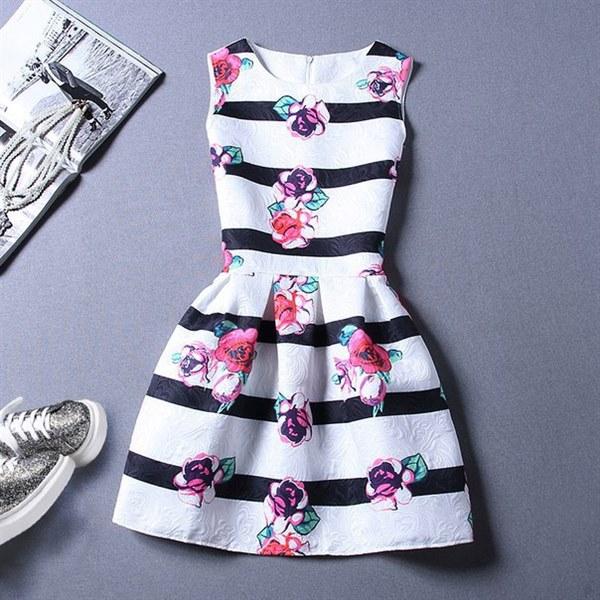 Купить Платье молодежное с легким летним принтом цена