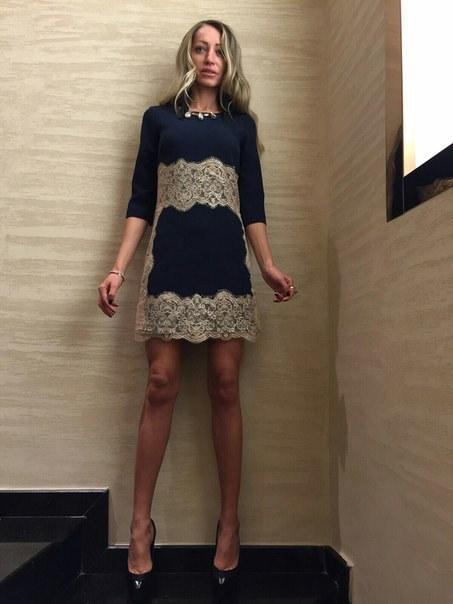 Цена Нарядное платье с кружевом
